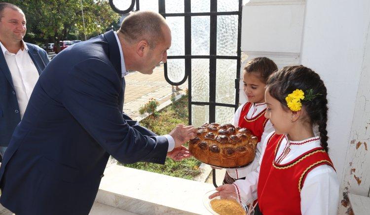 Ген. Румен Радев: Сега е моментът правителството да се погрижи за българите в Англия